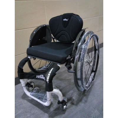 Oasis 2200 運動輪椅